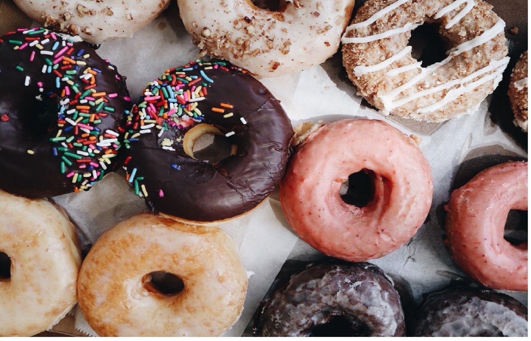 Publicidade a doces e refrigerantes fora das escolas e dos programas infantis